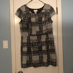 Dresses & Skirts - Short sleeve dress